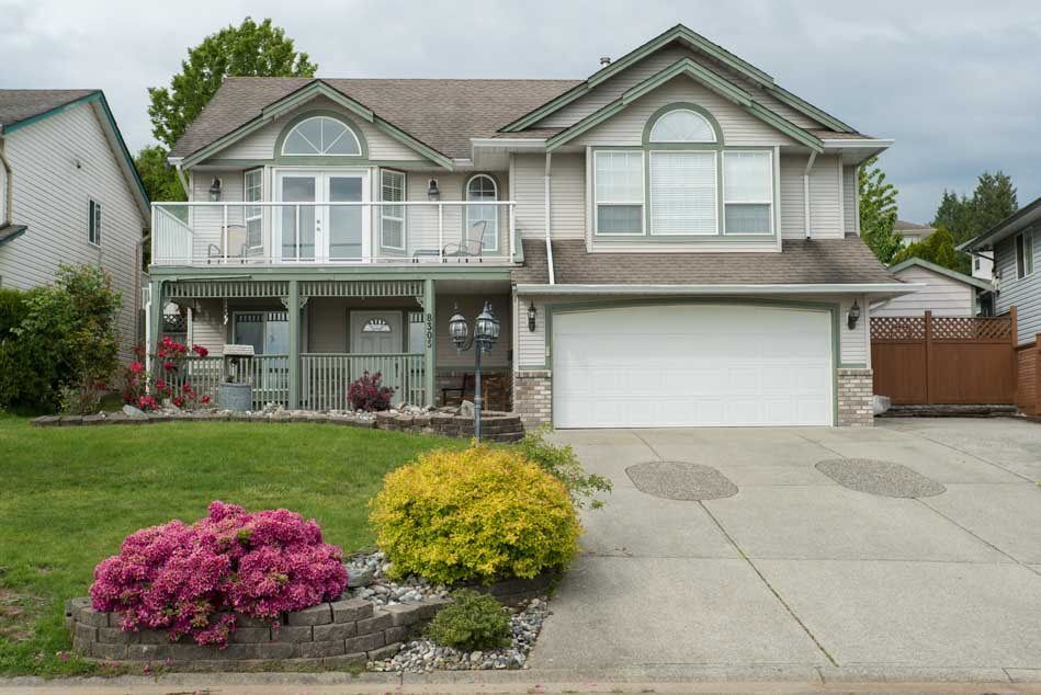 Main Photo: 8305 CASSELMAN CRESCENT in : Mission BC House for sale : MLS®# R2063290