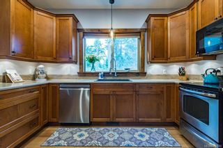 Photo 2: 1230 Painter Pl in : CV Comox (Town of) House for sale (Comox Valley)  : MLS®# 870100