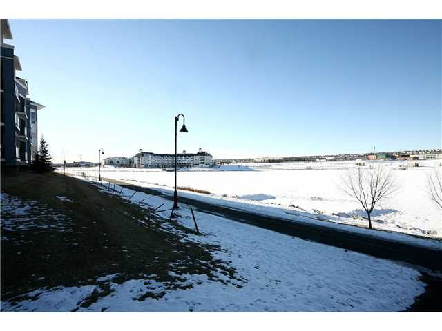 Photo 20: Photos: 104 108 COUNTRY VILLAGE Circle NE in CALGARY: Country Hills Village Condo for sale (Calgary)  : MLS®# C3551599