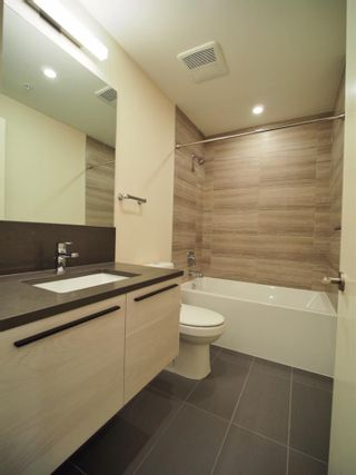 """Photo 5: 1008 6383 MCKAY Avenue in Burnaby: Metrotown Condo for sale in """"Gold House North Tower"""" (Burnaby South)  : MLS®# R2519798"""