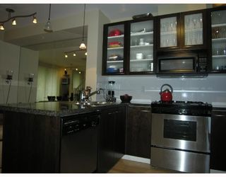 """Photo 5: TH17 969 RICHARDS Street in Vancouver: Downtown VW Townhouse for sale in """"MONDRIAN 2"""" (Vancouver West)  : MLS®# V706935"""