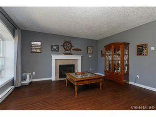 Photo 4: 2598 Buckler Ave in VICTORIA: La Florence Lake House for sale (Langford)  : MLS®# 741295
