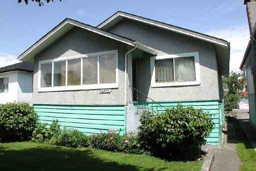 Main Photo: 2577 PARKER Street in Vancouver: Renfrew VE House for sale (Vancouver East)  : MLS®# R2202898