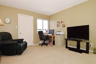 """Photo 15: 6139 W BOUNDARY Drive in Surrey: Panorama Ridge Townhouse for sale in """"LAKEWOOD GARDENS"""" : MLS®# F1448168"""