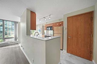 """Photo 5: 601 1288 W GEORGIA Street in Vancouver: West End VW Condo for sale in """"The Residences on Georgia"""" (Vancouver West)  : MLS®# R2495717"""