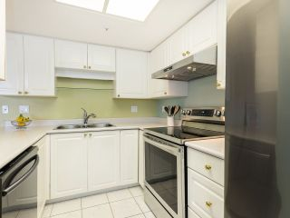 """Photo 9: 804 719 PRINCESS Street in New Westminster: Uptown NW Condo for sale in """"STIRLING PLACE"""" : MLS®# R2432360"""