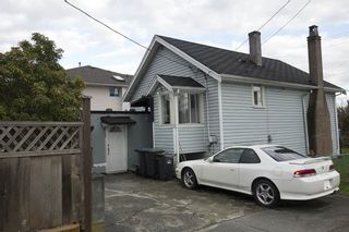 Photo 2: 2037 DUBLIN Street in New Westminster: Connaught Heights House for sale : MLS®# R2143068