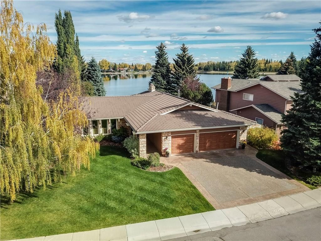 Main Photo: 80 MIDPARK Crescent SE in Calgary: Midnapore Detached for sale : MLS®# C4294208