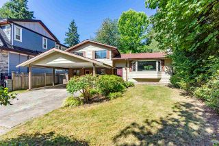 Photo 3: 8937 EDINBURGH Drive in Surrey: Queen Mary Park Surrey House for sale : MLS®# R2485380