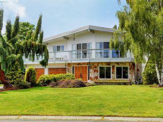 Photo 1: 7960 SEE SEA Pl in SAANICHTON: CS Saanichton House for sale (Central Saanich)  : MLS®# 814976