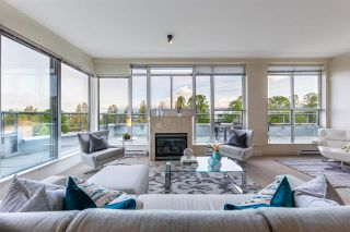 """Photo 1: 704 2655 CRANBERRY Drive in Vancouver: Kitsilano Condo for sale in """"NEW YORKER"""" (Vancouver West)  : MLS®# R2579388"""