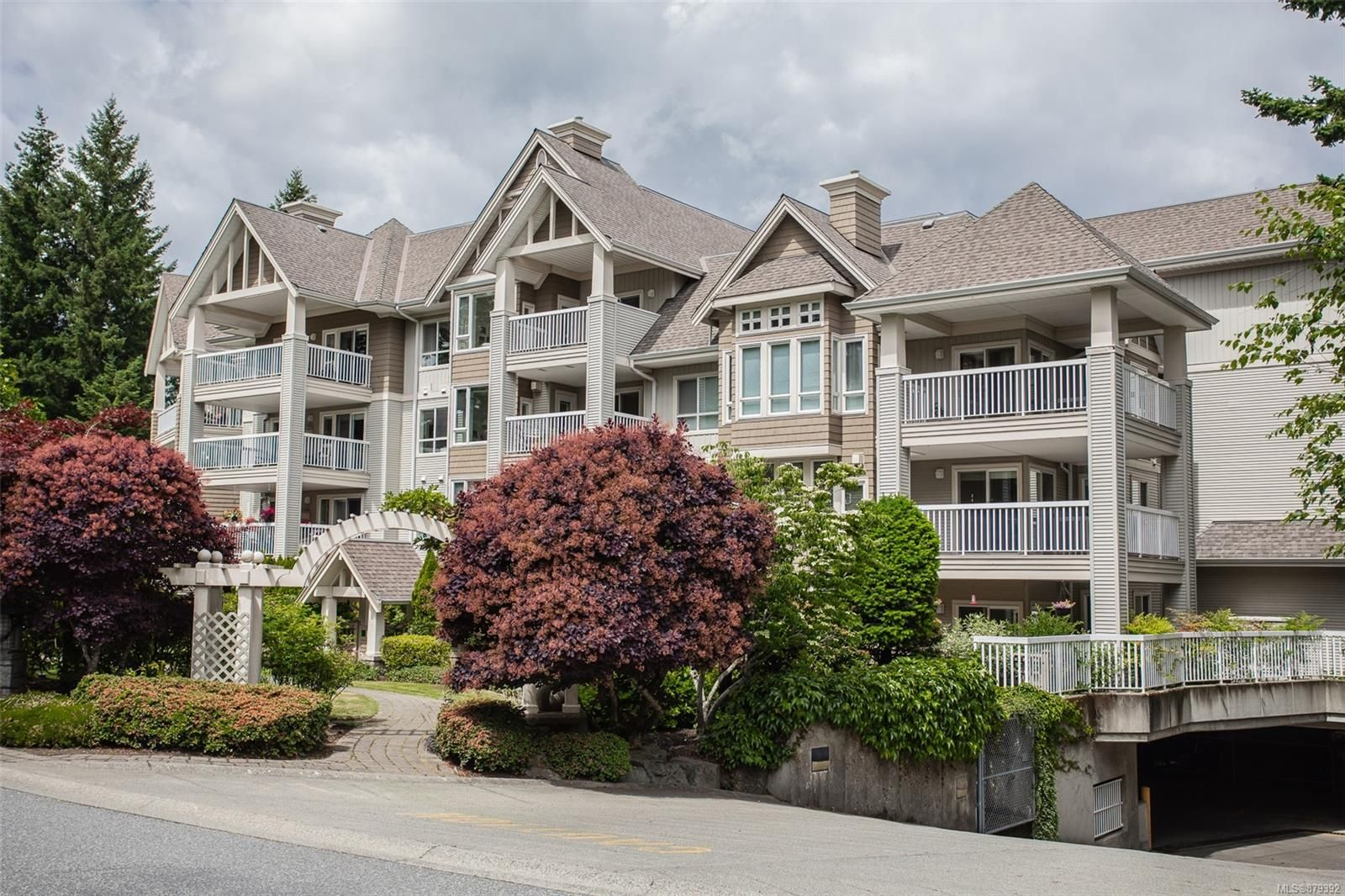 Main Photo: 205 5685 Edgewater Lane in : Na North Nanaimo Condo for sale (Nanaimo)  : MLS®# 879392