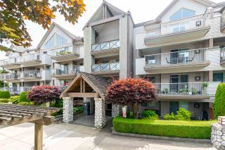 "Photo 2: 105 33478 ROBERTS Avenue in Abbotsford: Central Abbotsford Condo for sale in ""Aspen Creek"" : MLS®# R2471057"