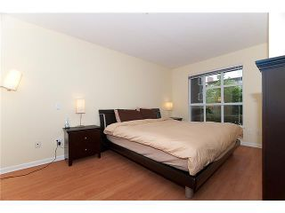 """Photo 7: 302 2161 W 12TH Avenue in Vancouver: Kitsilano Condo for sale in """"CARLINGS"""" (Vancouver West)  : MLS®# V909987"""