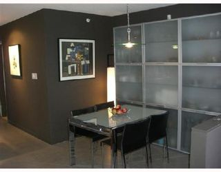 """Photo 5: 2F 1067 MARINASIDE Crescent in Vancouver: False Creek North Condo for sale in """"QUAYWEST"""" (Vancouver West)  : MLS®# V710459"""