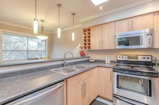"""Photo 9: 310 932 ROBINSON Street in Coquitlam: Coquitlam West Condo for sale in """"The Shaughnessy"""" : MLS®# R2438593"""