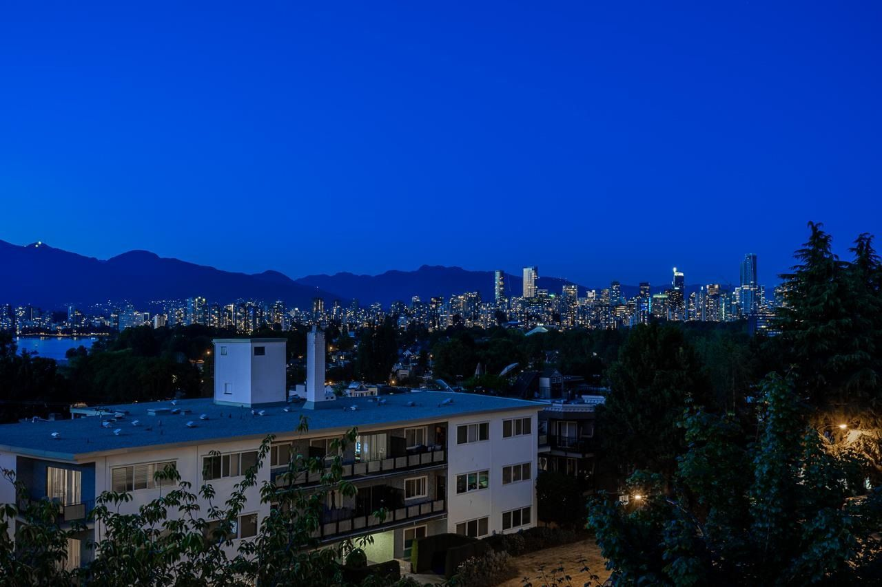 """Main Photo: 401 2298 W 1ST Avenue in Vancouver: Kitsilano Condo for sale in """"The Lookout"""" (Vancouver West)  : MLS®# R2617579"""