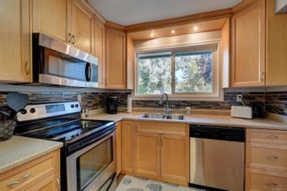 Photo 9: 49 1506 Admirals Rd in : VR Glentana Row/Townhouse for sale (View Royal)  : MLS®# 882374