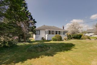 Photo 3: 11755 243 Street in Maple Ridge: Cottonwood MR House for sale : MLS®# R2576131