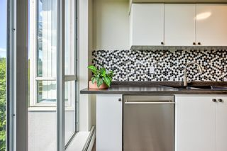 """Photo 11: 705 3061 E KENT AVENUE NORTH Avenue in Vancouver: South Marine Condo for sale in """"THE PHOENIX"""" (Vancouver East)  : MLS®# R2605102"""