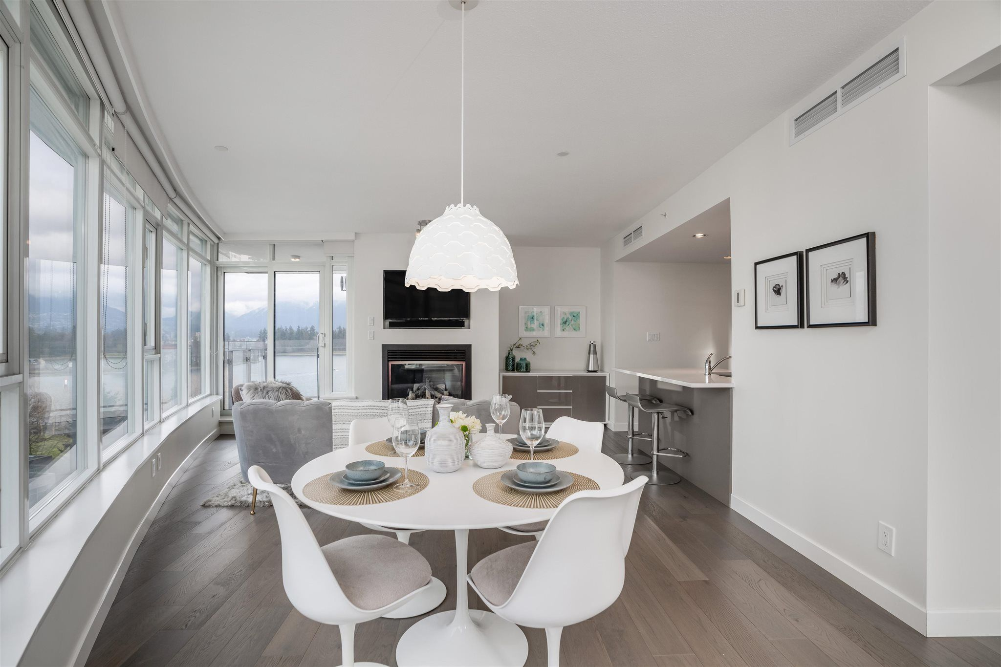 Main Photo: 604 1233 W CORDOVA Street in Vancouver: Coal Harbour Condo for sale (Vancouver West)  : MLS®# R2604078