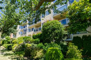 "Photo 3: 406 1280 FIR Street: White Rock Condo for sale in ""Oceana Villa"" (South Surrey White Rock)  : MLS®# F1418314"
