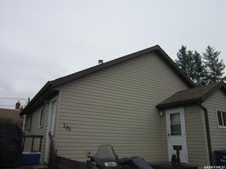 Photo 1: 101 6th Avenue East in Nipawin: Residential for sale : MLS®# SK867859