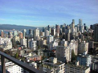 "Photo 13: 1905 2055 PENDRELL Avenue in Vancouver: West End VW Condo for sale in ""PANORAMA PLACE"" (Vancouver West)  : MLS®# R2037252"
