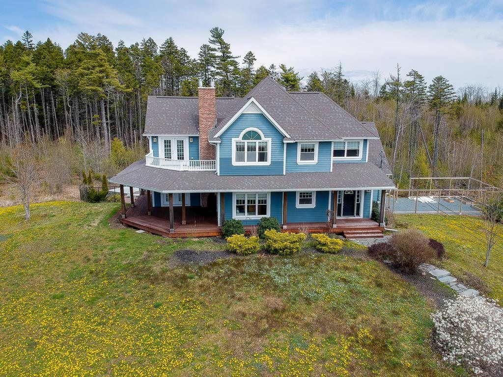 Main Photo: 228 Taylor Drive in Windsor Junction: 30-Waverley, Fall River, Oakfield Residential for sale (Halifax-Dartmouth)  : MLS®# 202111626