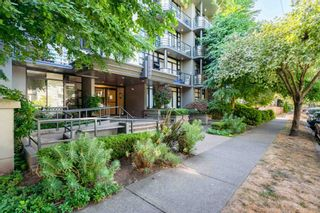 """Photo 3: 305 2828 YEW Street in Vancouver: Kitsilano Condo for sale in """"Bel-Air"""" (Vancouver West)  : MLS®# R2602736"""