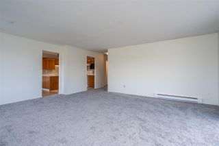 "Photo 5: 308 5360 205 Street in Langley: Langley City Condo for sale in ""Parkway Estates"" : MLS®# R2496597"