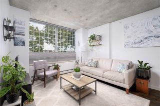 """Photo 2: 905 STATION Street in Vancouver: Strathcona Townhouse for sale in """"THE LEFT BANK"""" (Vancouver East)  : MLS®# R2529549"""