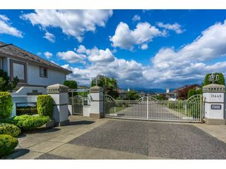 "Photo 2: 19 31445 RIDGEVIEW Drive in Abbotsford: Abbotsford West Townhouse for sale in ""PANORAMA RIDGE"" : MLS®# R2093925"
