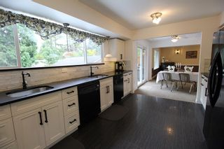 """Photo 6: 19921 46 Avenue in Langley: Langley City House for sale in """"Mason Heights"""" : MLS®# R2281158"""