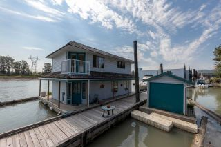 """Photo 3: 23240 DYKE Road in Richmond: Hamilton RI House for sale in """"Waterfront Property with Float Home(s)"""" : MLS®# R2606425"""