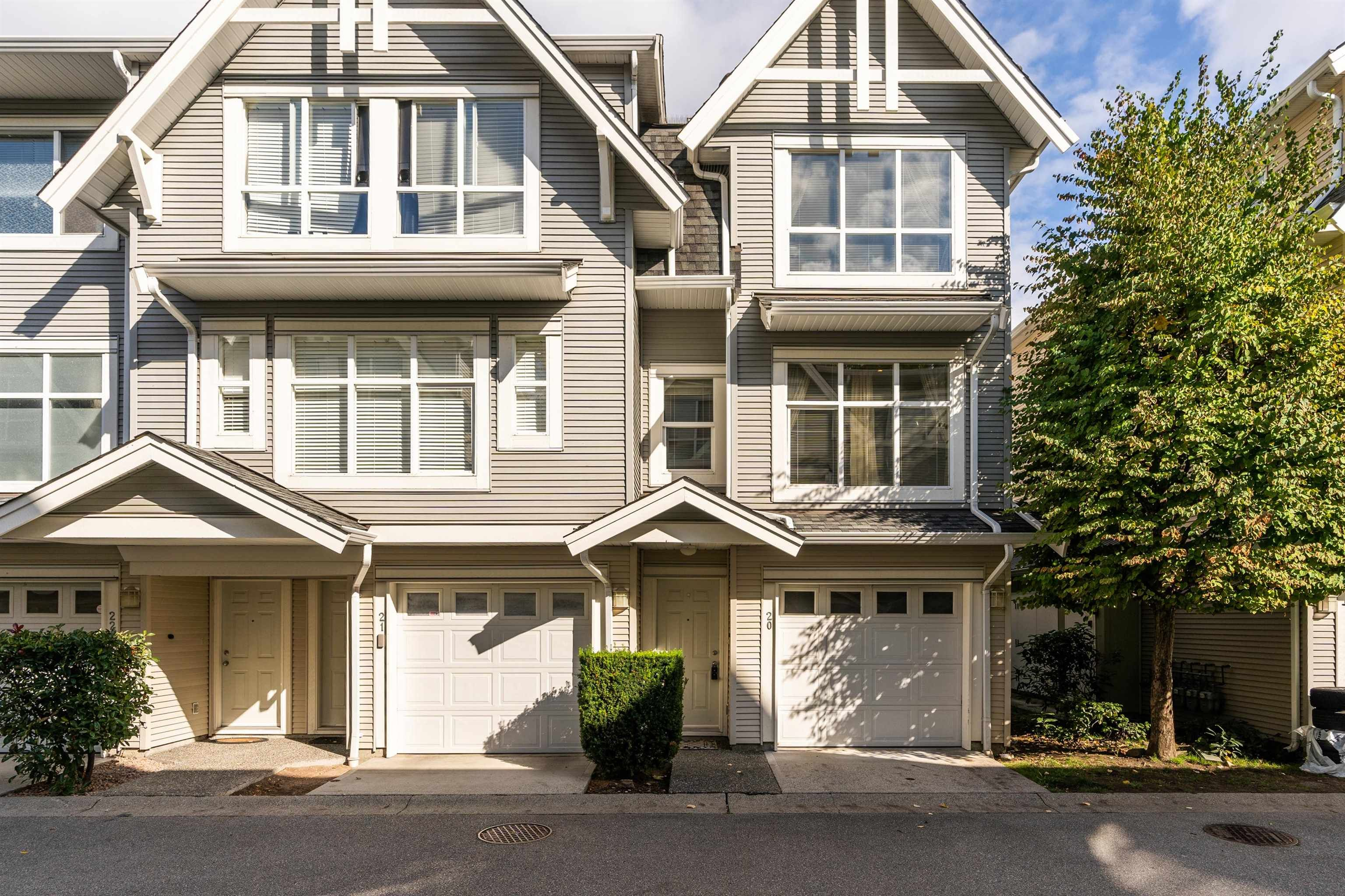 """Main Photo: 20 6415 197 Street in Langley: Willoughby Heights Townhouse for sale in """"Logans Reach"""" : MLS®# R2620798"""