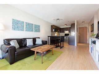 """Photo 2: 306 833 W 16TH Avenue in Vancouver: Fairview VW Condo for sale in """"The Emerald"""" (Vancouver West)  : MLS®# V1063181"""