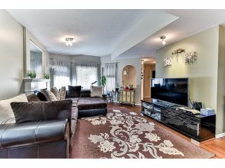 """Photo 3: 162 15501 89A Avenue in Surrey: Fleetwood Tynehead Townhouse for sale in """"AVONDALE"""" : MLS®# R2058419"""