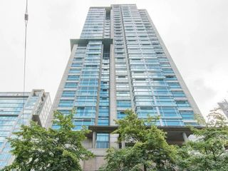 """Photo 2: 3103 438 SEYMOUR Street in Vancouver: Downtown VW Condo for sale in """"CONFERENCE PLAZA"""" (Vancouver West)  : MLS®# R2163076"""