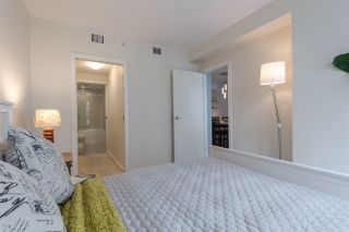 """Photo 15: 1104 89 W 2ND Avenue in Vancouver: False Creek Condo for sale in """"PINNACLE LIVING FALSE CREEK"""" (Vancouver West)  : MLS®# R2250974"""