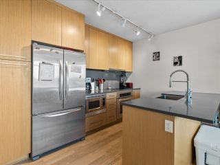 """Photo 3: 801 251 E 7TH Avenue in Vancouver: Mount Pleasant VE Condo for sale in """"District"""" (Vancouver East)  : MLS®# R2621042"""