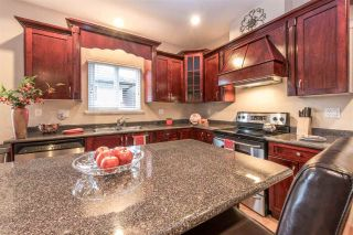 Photo 3: 8390 HARRIS STREET in Mission: Mission BC House for sale : MLS®# R2121135