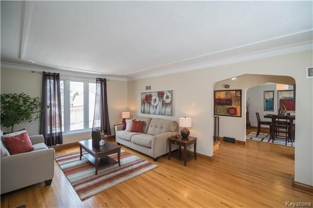 Photo 3: Photos: 360 Centennial Street in Winnipeg: River Heights North Residential for sale (1C)  : MLS®# 1808631