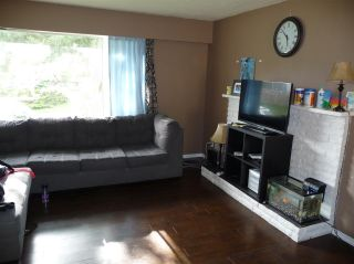 Photo 3: 3058 CARLA Court in Abbotsford: Abbotsford West House for sale : MLS®# R2367373