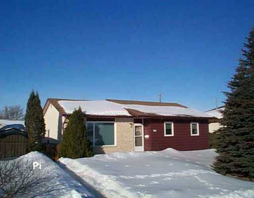 Main Photo: 148 GRASSIE Boulevard in Winnipeg: North Kildonan Single Family Detached for sale (North East Winnipeg)  : MLS®# 2603553