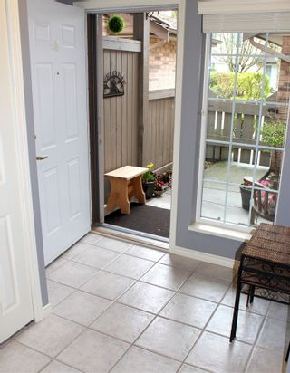 """Photo 3: 2 4749 54A Street in Delta: Delta Manor Townhouse for sale in """"ADLINGTON"""" (Ladner)  : MLS®# R2044631"""