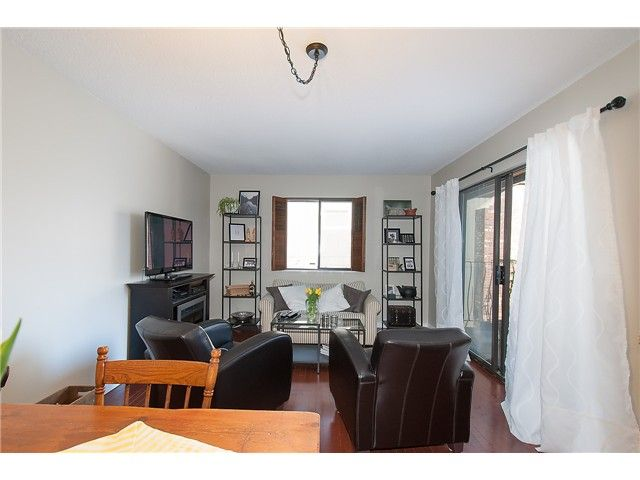 Photo 8: Photos: 2045 CLIFFWOOD RD in North Vancouver: Deep Cove House for sale : MLS®# V1106333