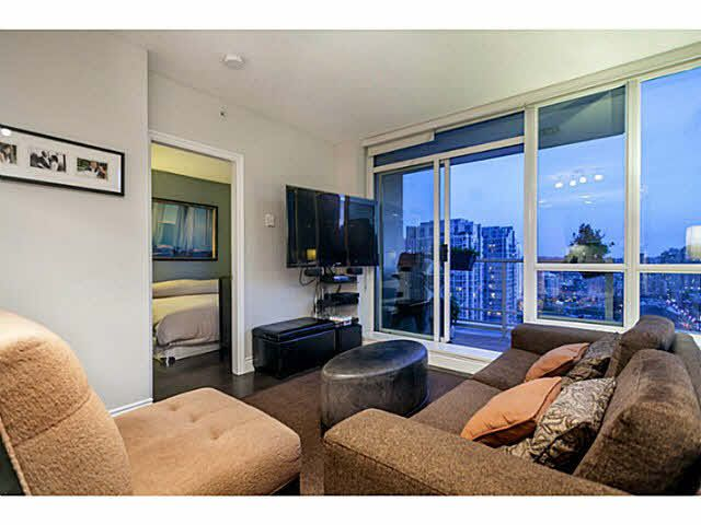 """Photo 8: Photos: 1808 821 CAMBIE Street in Vancouver: Downtown VW Condo for sale in """"RAFFLES ON ROBSON"""" (Vancouver West)  : MLS®# V1125986"""