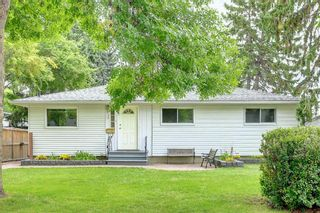 Photo 4: 90 Hounslow Drive NW in Calgary: Highwood Detached for sale : MLS®# A1145127