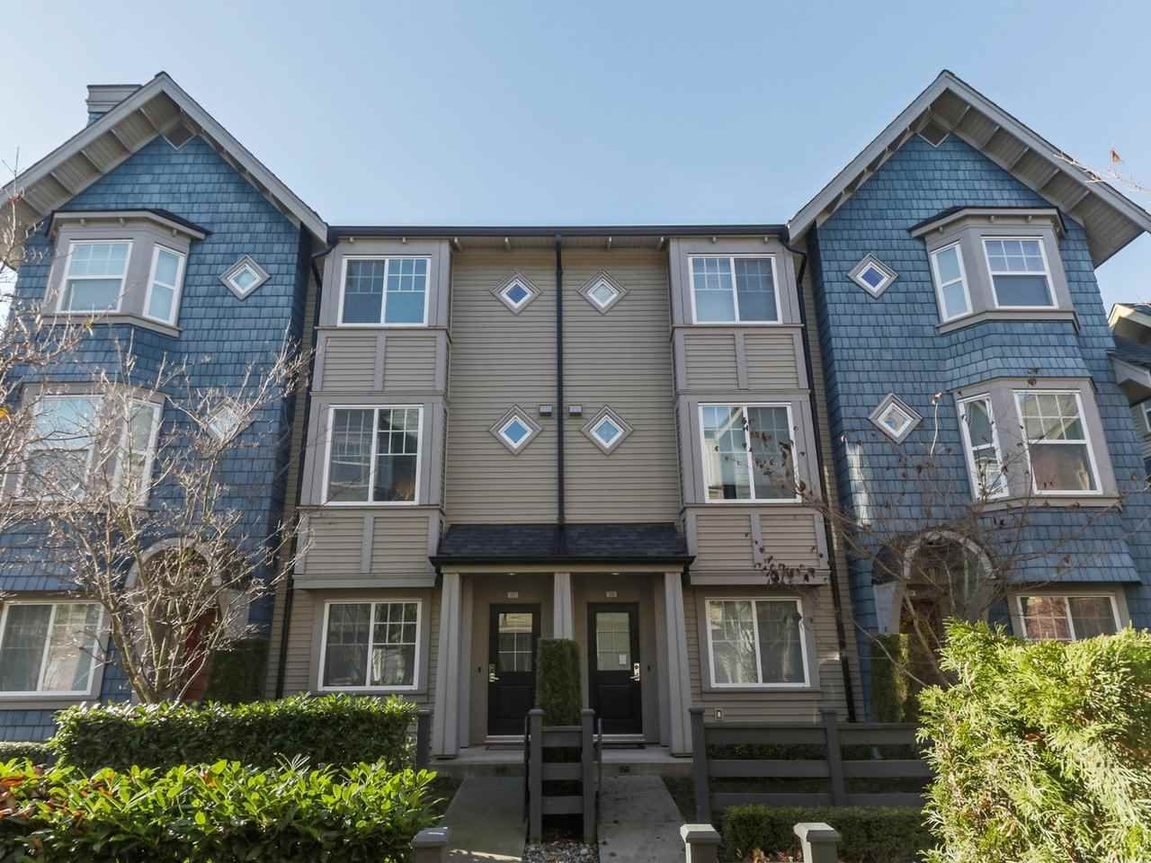 """Main Photo: 27 6450 187 Street in Surrey: Cloverdale BC Townhouse for sale in """"Hillcrest"""" (Cloverdale)  : MLS®# R2421299"""